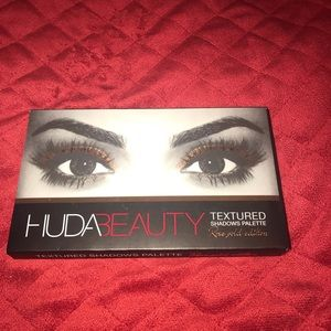 Huda Beauty Rose Gold 1st Edition Palette